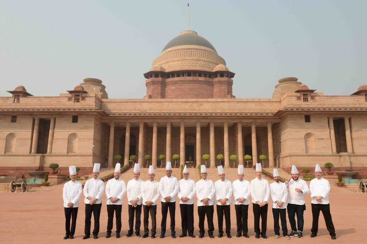 Montu Saini with other members of hte Club des Chefs des Chefs  at the Rashtrapati Bhavan.