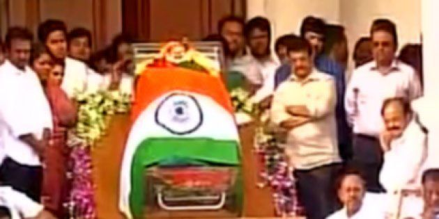 Jayalalithaa's Body Kept In Chennai's Rajaji Hall For Public Homage, Thousands Pour In To Pay