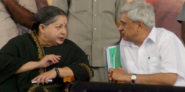Jayalalithaa (L) with Prakash Karat in