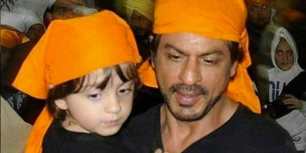 'Raees' Star Shah Rukh Khan And Son AbRam At The Golden Temple Are All Kinds Of