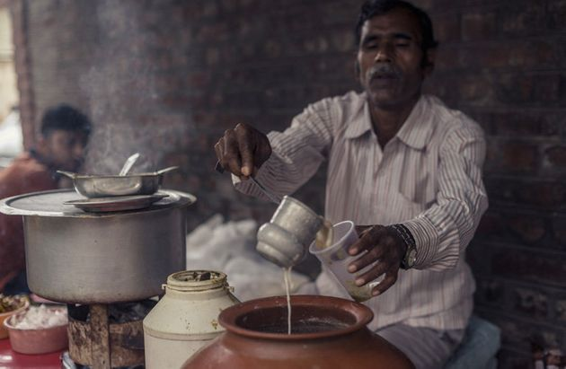 Photoblog: Vendors With The Guts To Take On Delhi's Iconic Food
