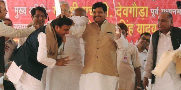 Shivpal Yadav Meets Akhilesh, Mulayam Singh Yadav Over 'Compromise