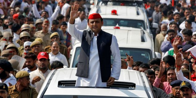 SP Supporters Overwhelmingly Back Akhilesh, Spilt May Benefit The BJP: Huffpost-CVoter