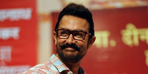 Aamir Khan Finally Attends An Award Ceremony After 16 Years And Gets Felicitated By Mohan