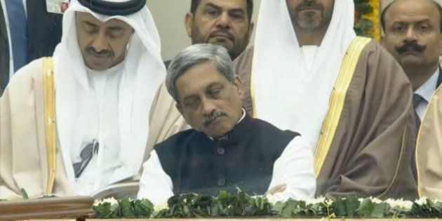 Manohar Parrikar Was 'Caught' Sleeping At The R-Day Parade, And Twitter Won't Stop Trolling