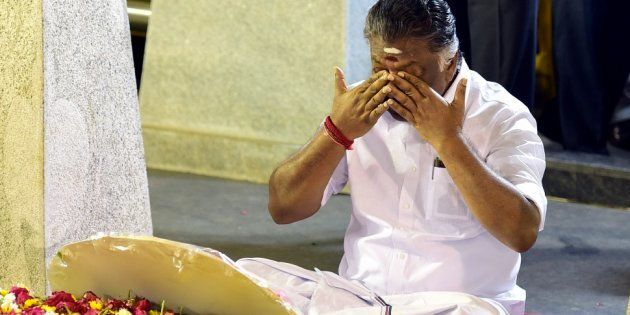 After Dramatic Late Night Meditation, Panneerselvam Reveals What Happened At The Hospital While Jayalalithaa...