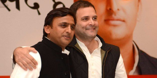 Akhilesh, Rahul Release Common Minimum Programme, Promises Include Smart Phones, Homes For