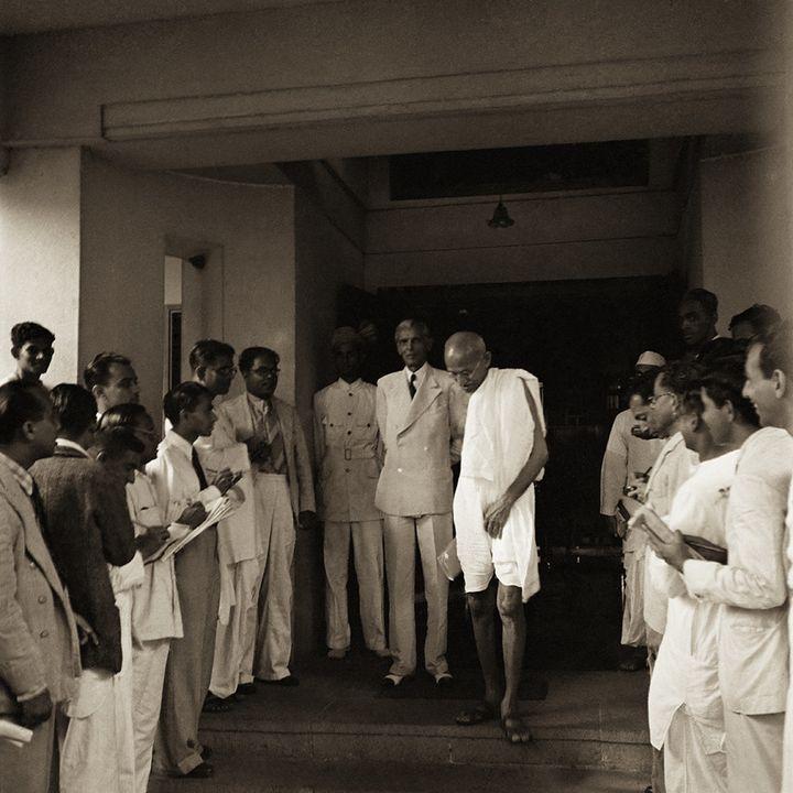 Mahatma Gandhi leaving Jinnah's bungalow, Bombay, September 1944.