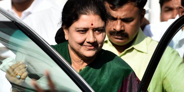 Sasikala Drives Down To Chennai Resort To Meet Party