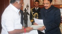Ten AIADMK MPs Join O