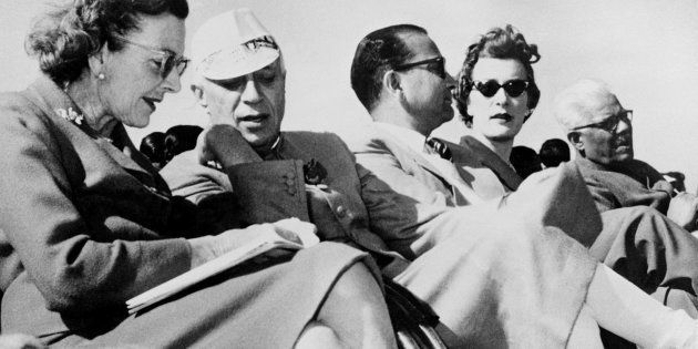 (FILES) In this picture taken 27 February 1959, Pandit Jawaharlal Nehru (2-L) talks with Lady Mountbatten...