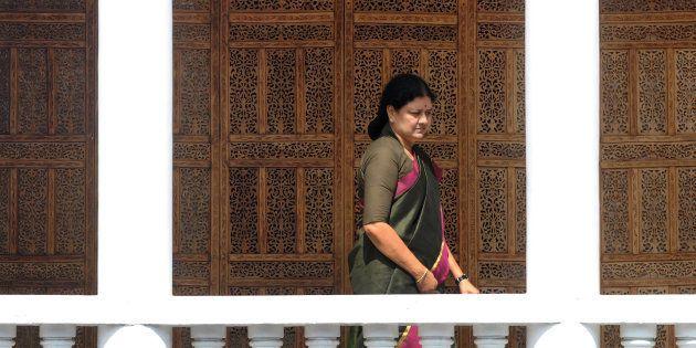 Panneerselvam Camp Dismisses Sasikala, Dinakaran From AIADMK For Bringing 'Disrepute' To The