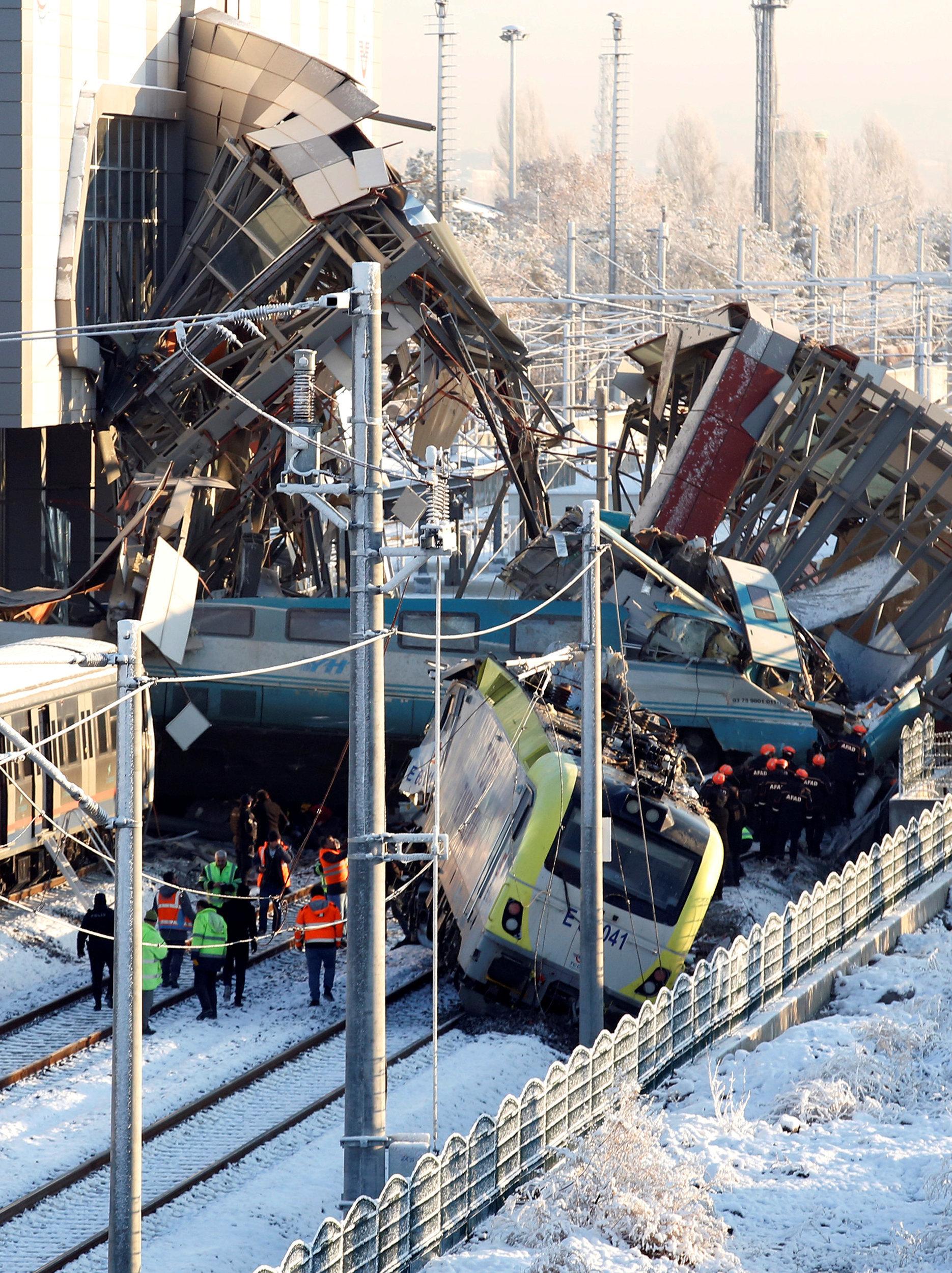 Accident de TGV en Turquie: au moins 9 morts et 47