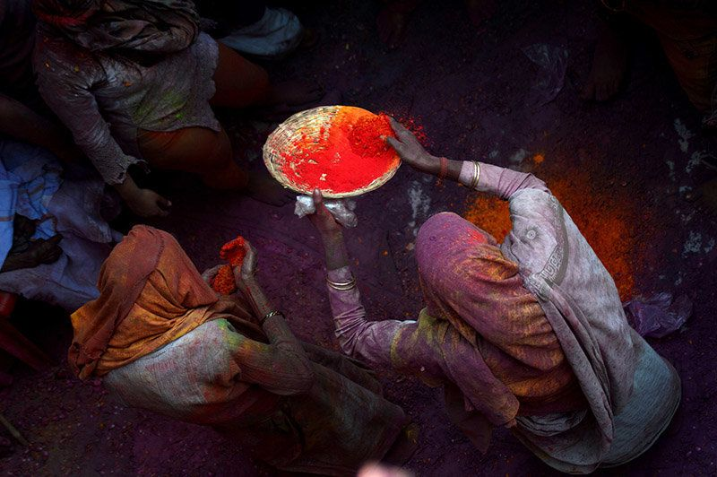 Saffron powder, with its blazing intensity, is a popular