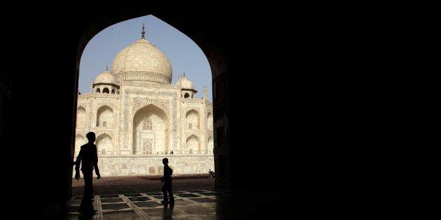 Visiting The Taj Mahal And Rashtrapati Gardens Made Me Question My 'Free Citizen'