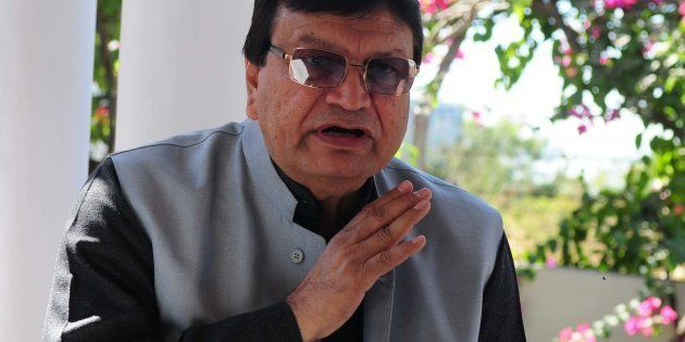Congress leader Aslam Sher Khan addressing a press conference in
