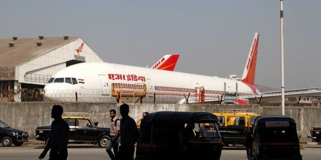 RTI Activist Petitions PM, Seeks One-Year AI Flight Ban On Sena MP