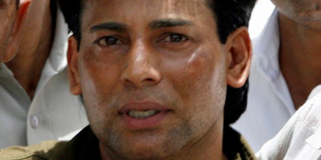 Abu Salem leaves a court in New Delhi May 22,