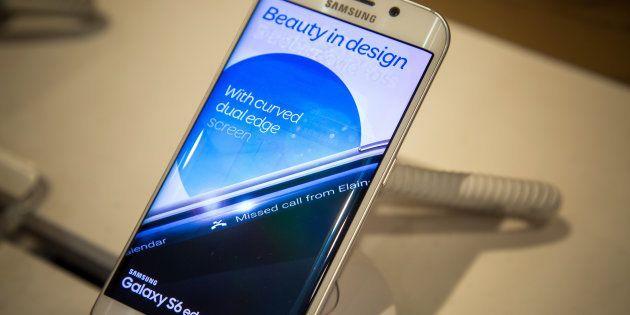 A Samsung Galaxy S6 edge
