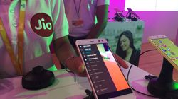 Reliance Jio Plans To Bring Micro ATMs To Help The Shift To Digital