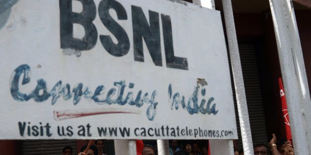 BSNL, Datamail Tie Up For Free Email ID In 8 Indian