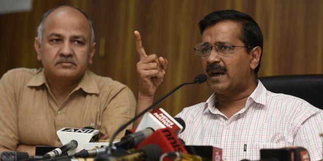 Deputy CM Manish Sisodia, Senior AAP Leaders Reach Kejriwal's Residence As BJP Takes An Early