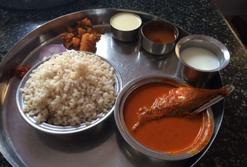 Bengaluru's Seafood Joints That Give You A Bang For Your