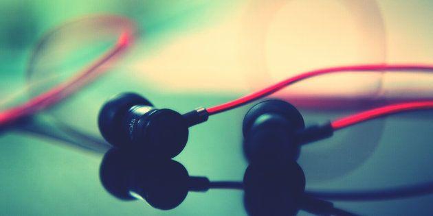 Best Earphones To Buy Under 2 000 Huffpost India