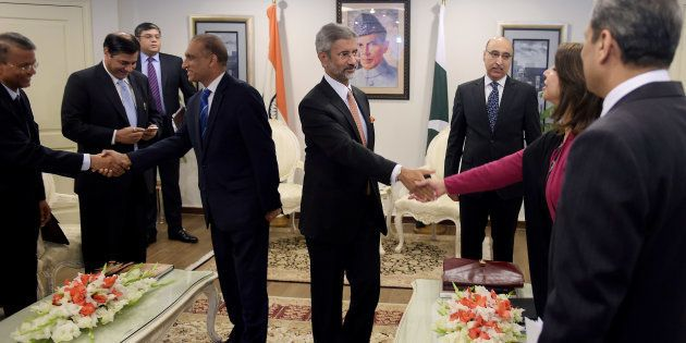 Senior Indian Diplomat Responds With A 'Curt' Namaskar To Pakistani Delegate's Extended