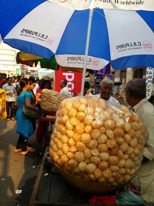 Scrumptious Street Food You Just Have To Eat During Durga Puja In