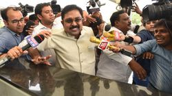 HowPoliticalInstability Keeps The Palaniswamy Government Going In Tamil