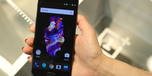 OnePlus 5's Design Is Uninspiring But Does Anyone
