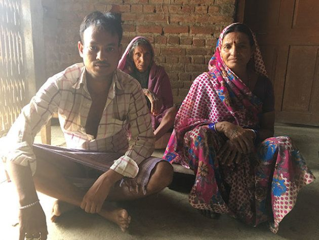 In the village of Jhumri, district Koderma, Bhagni Devi complains that the dealer, Nuri Mahila Mandal,...