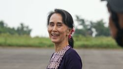 Aung San Suu Kyi Visits Rahkine For First Time Since Exodus Of 60,000 Rohingya