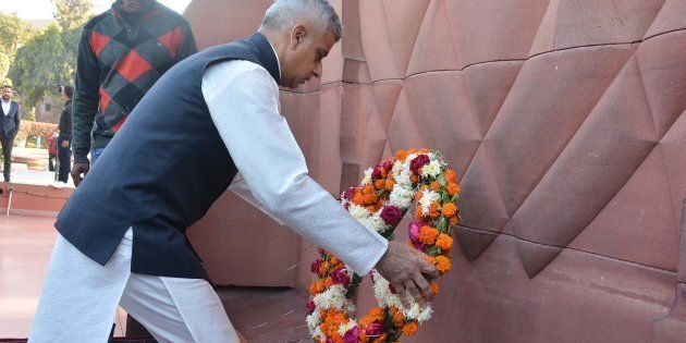 London Mayor Sadiq Khan lays a wreath to martyrs at Jallianwala Bagh, on December 6, 2017 in Amritsar,
