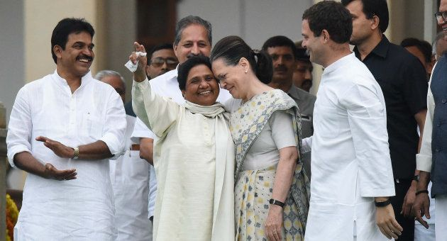Mayawati with Sonia Gandhi and Rahul Gandhi during the swearing-in ceremony of Kumarswamy as the 24th...