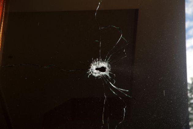 Δολοφονία σε καφενείο: Έφτασε πεζός και τον πυροβόλησε στο κεφάλι μπροστά σε
