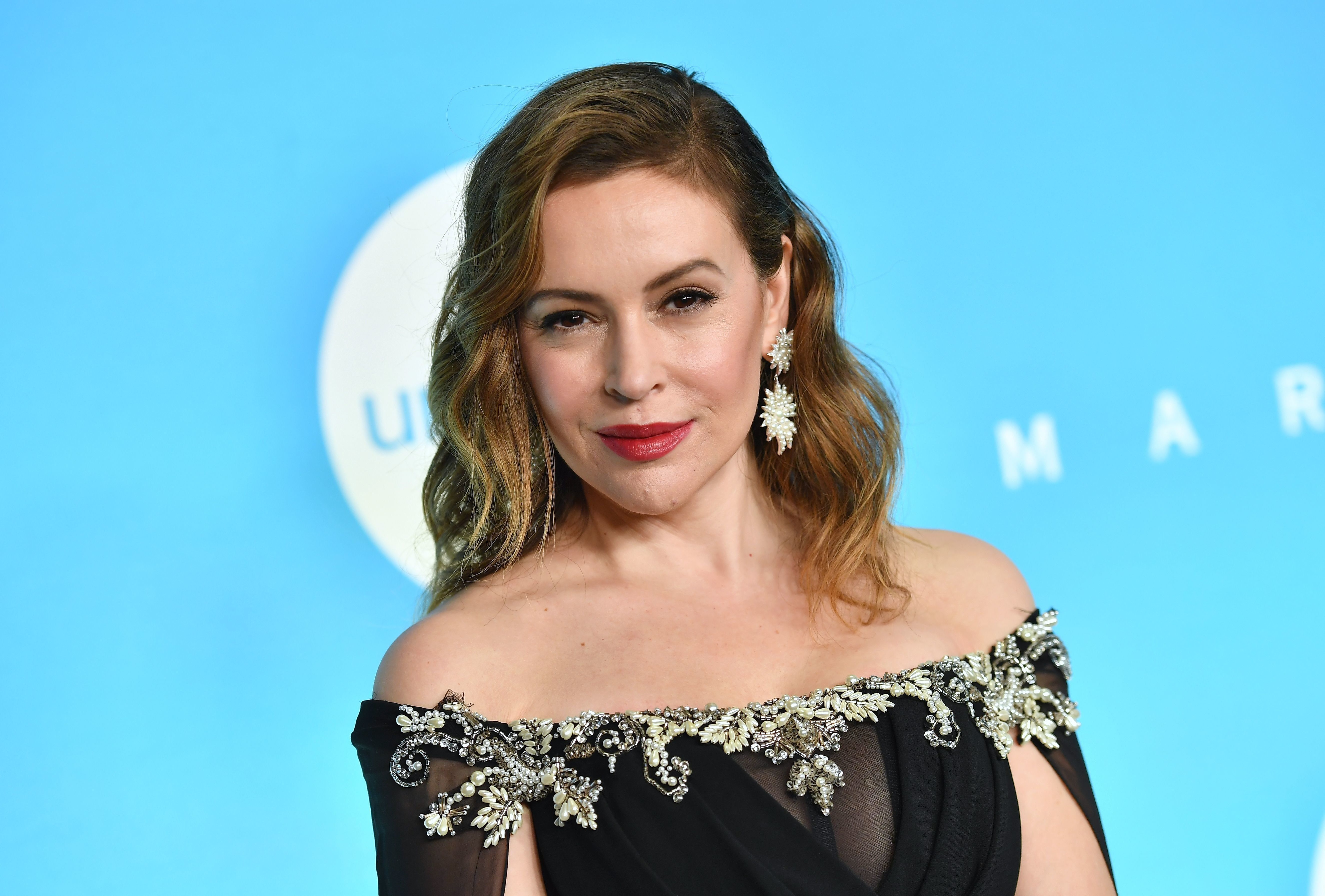 Actress Alyssa Milano attends the 14th Annual UNICEF Snowflake Ball on November 27, 2018 in New York City. (Photo by Angela Weiss / AFP)        (Photo credit should read ANGELA WEISS/AFP/Getty Images)