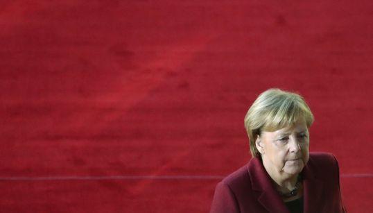 Γερμανία: Δημοσκοπική πτώση για τα κόμματα του κυβερνητικού