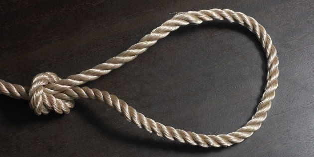 Rope noose on
