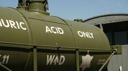 Acid-Laden Truck Overturns In Thane, Nearby School
