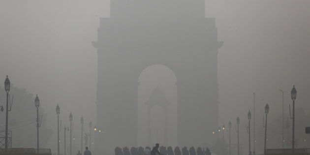Delhi To Install Air Purifiers, Mist Fountains At Major Intersections To Tackle