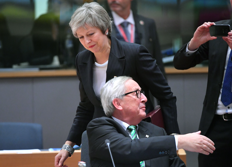 Η Κομισιόν ετοιμάζεται για Brexit χωρίς συμφωνία - «Άσχημο το κλίμα» στο δείπνο των
