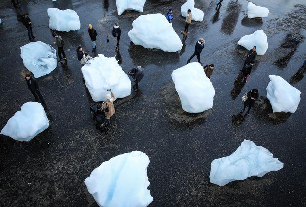 «Ice Watch»: Πάγοι από τη Γροιλανδία στην καρδιά του