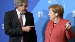 """""""Wir schaffen das mit der Integration"""": Arbeitgeber-Präsident gibt Merkel"""