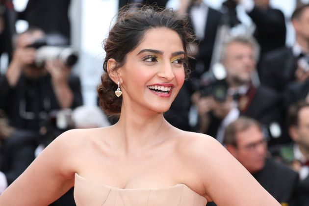Mumbai Police Called Out Sonam Kapoor's Elitism After A Twitter