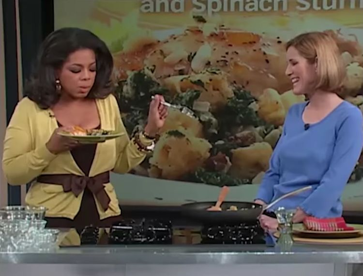 that-viral-clip-of-oprah-eating-unseasoned-chicken-seems-a-bit-off-an-investigation