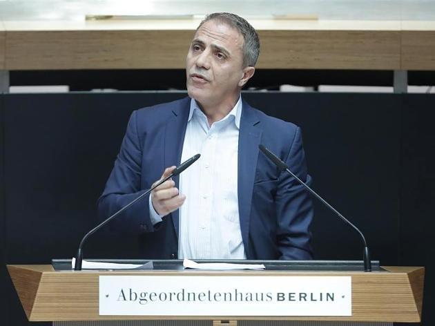 Alkoholfahrt: Berliner Linken-Politiker baut Unfall und begeht