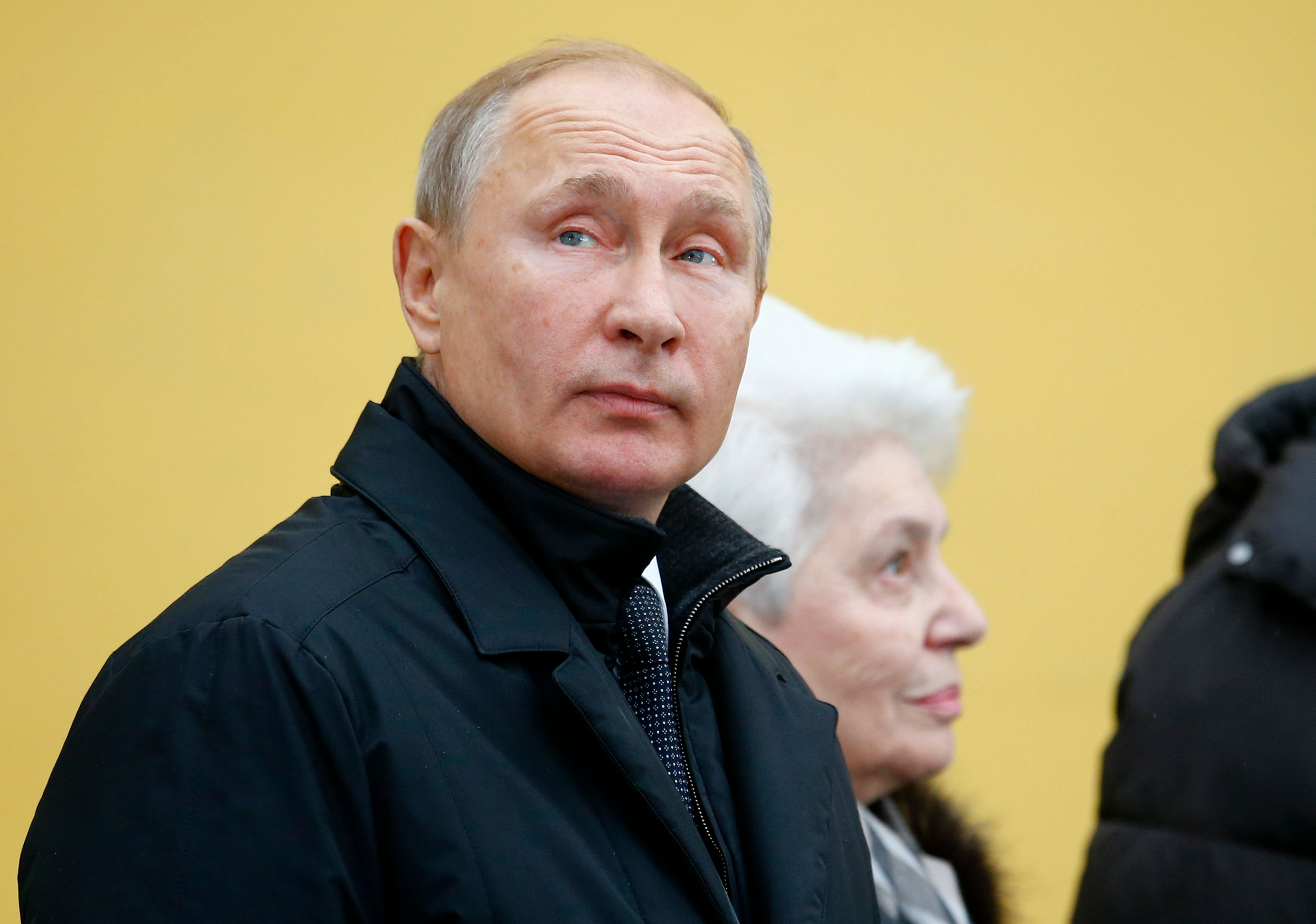 Russian President Vladimir Putin wants cultural leaders to devise a means of controlling, rather than banning, popular music.