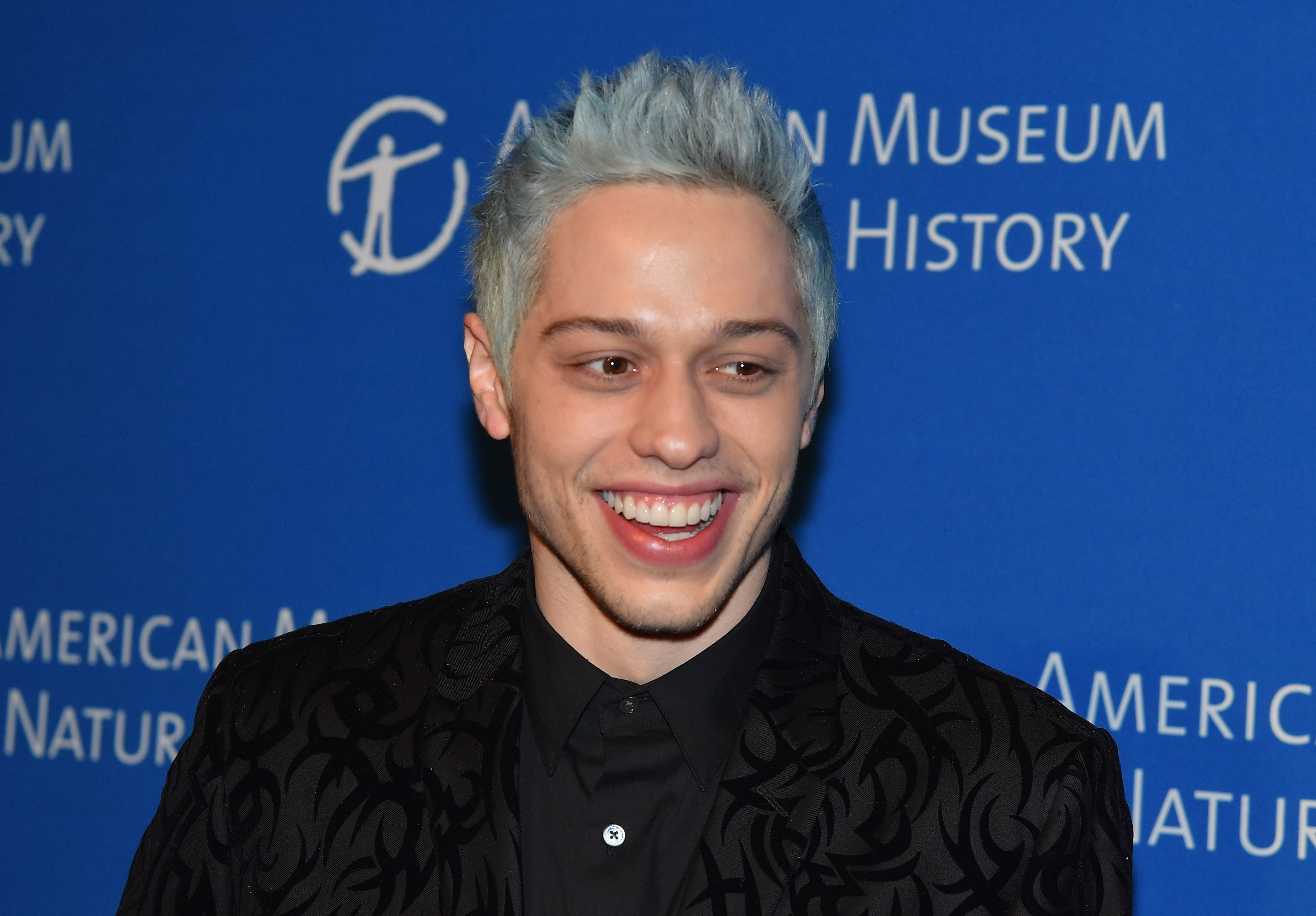 Comedian Pete Davidson attends the American Museum of Natural History's 2018 Museum Gala on November 15, 2018 in New York City. (Photo by Angela Weiss / AFP)        (Photo credit should read ANGELA WEISS/AFP/Getty Images)